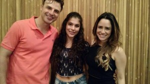 Os atores: Fernanda Vasconcelos e Cassio Reis